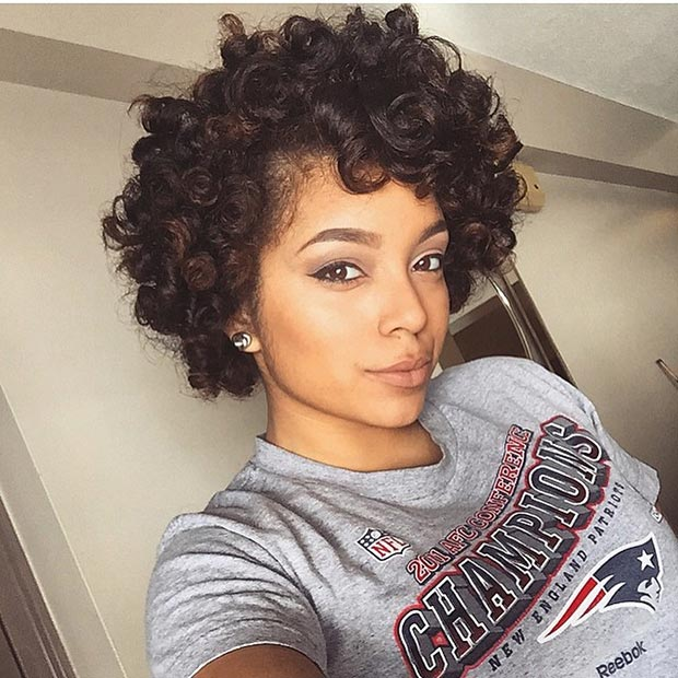 SHORT BLOWOUT CURLY HAIRSTYLE FOR BLACK WOMEN