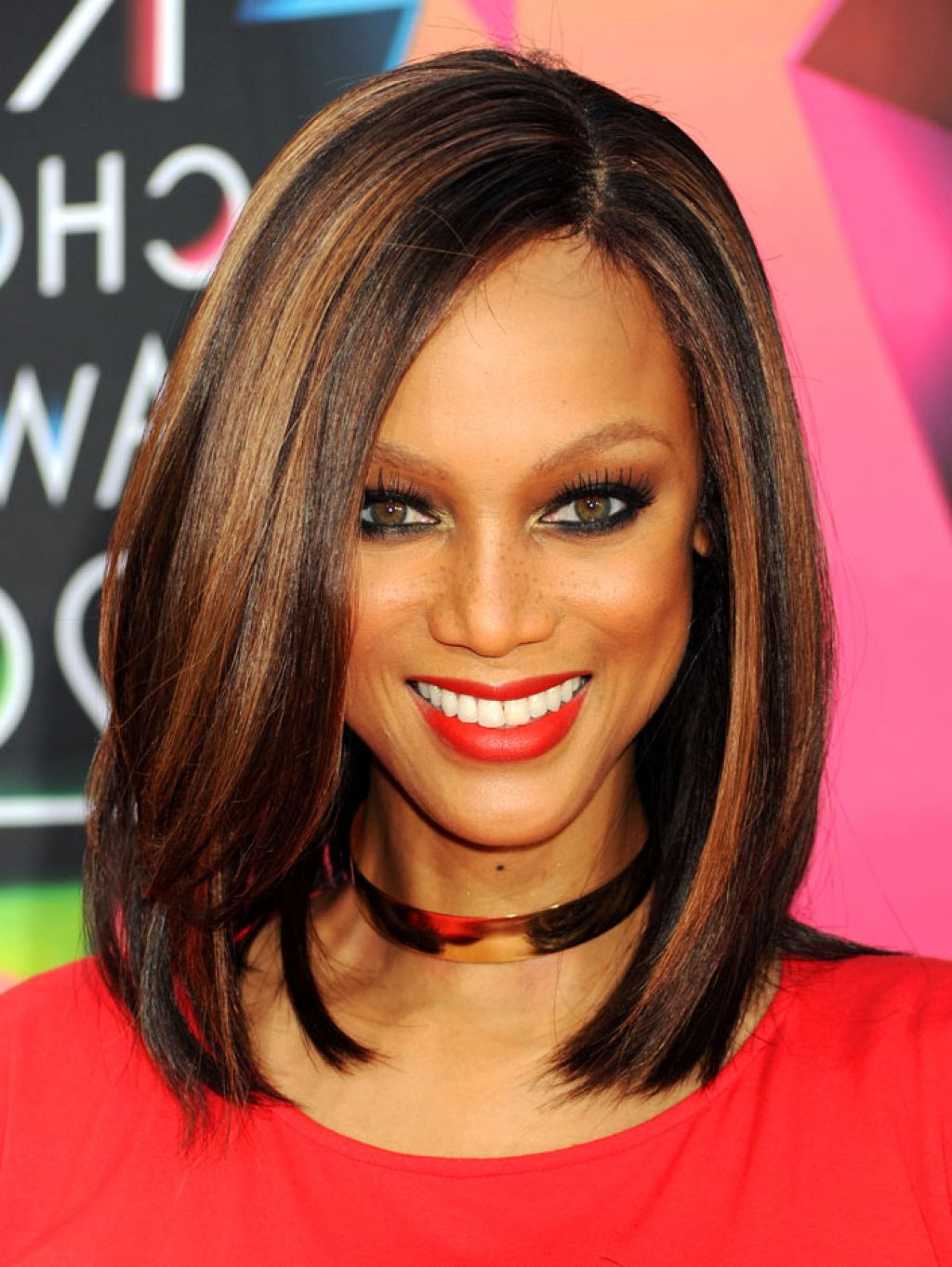 BEST MEDIUM CELEBRITY HAIRSTYLE BLACK WOMEN