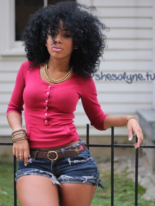 BEST MEDIUM CURLY HAIRSTYLE FOR BLACK WOMEN