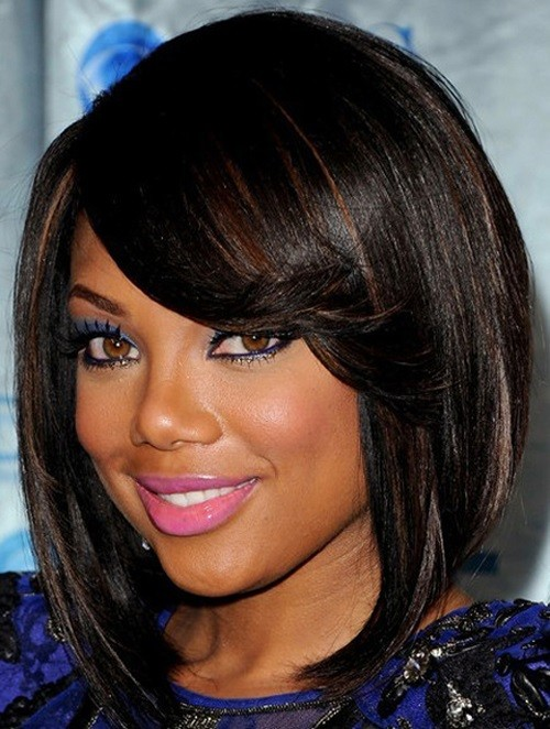 BEST MEDIUM HAIRSTYLE WITH BANGS LOOKING UPWARD FOR BLACK WOMEN