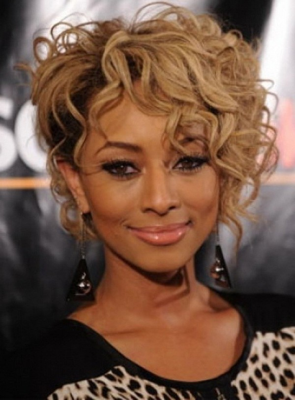 BEST SHORT BLONDE CURLY HAIRSTYLE FOR BLACK WOMEN