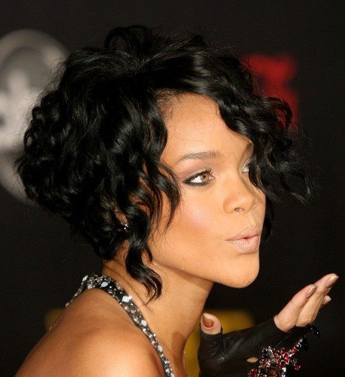 BEST SHORT CURLY HAIRSTYLE WITH LONG BANGS BLACK WOMEN