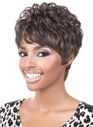 BEST SHORT CURLY LAYERED HAIRSTYLE BLACK WOMEN