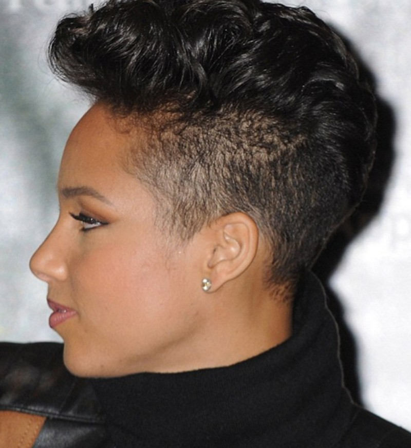BEST SHORT CURLY MOHAWK HAIRSTYLE FOR BLACK WOMEN