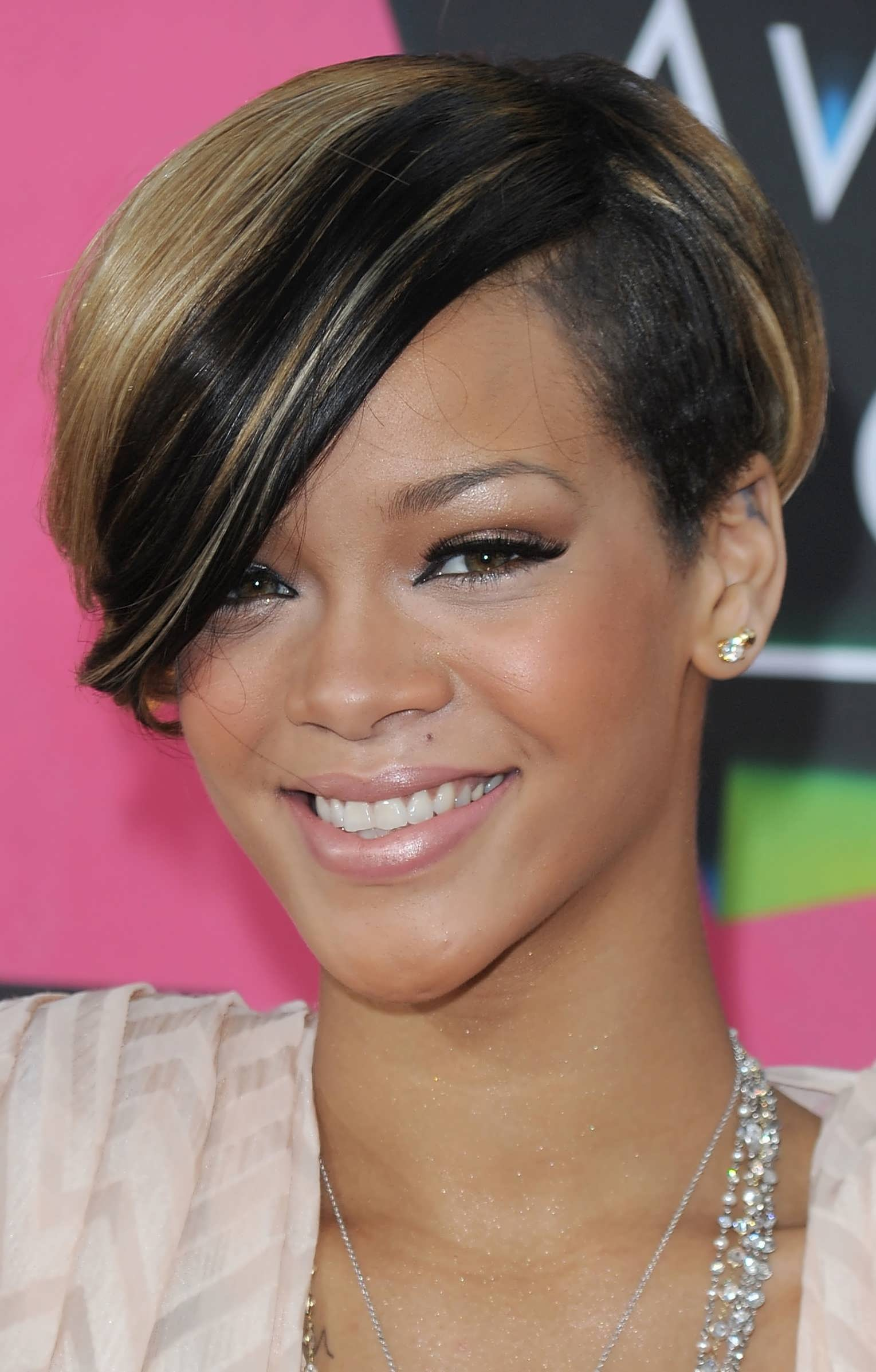 50 African American Short Black Hairstyles / Haircuts for Women ...
