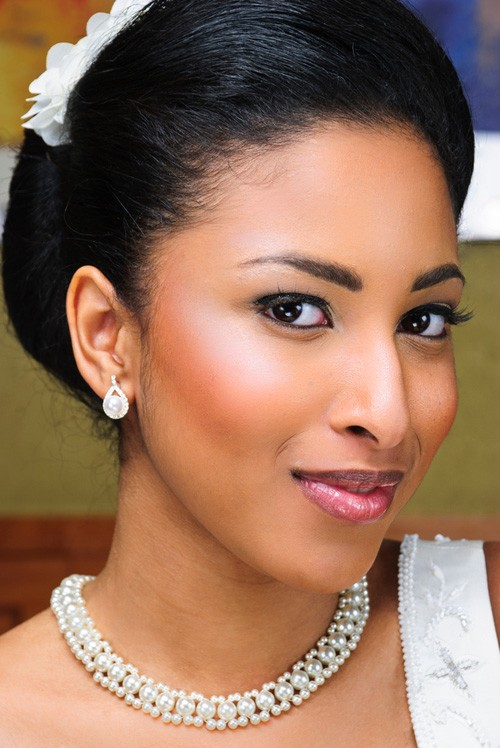 Best Oval face Wedding Hairstyle for Black Women