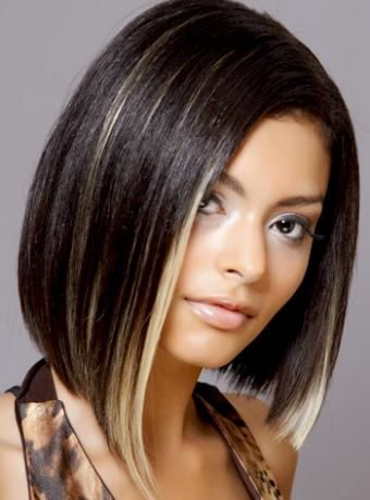 Cute Medium Hairstyle with Blonde Highlights Straight Black Women