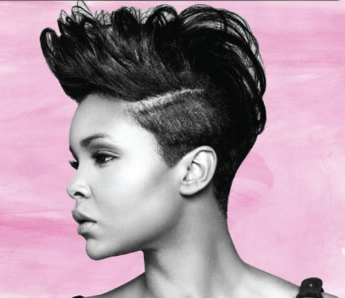 Beautiful Short Haircut for Round Faces wavy African American