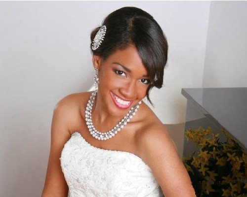 Best Wedding Hairstyle with side push for Black Women