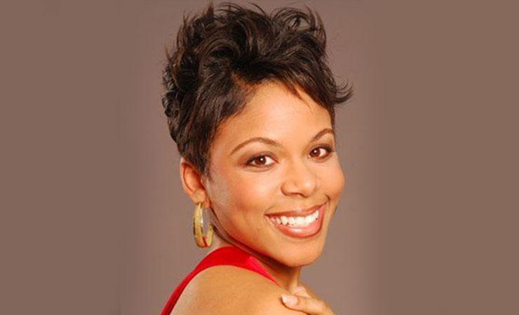 Captivating Short Messy relaxed haircut African American