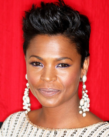 Inspiring medium short haircuts with messy crown African American