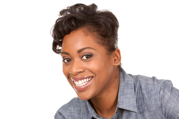 Inspiring short haircuts with messy crown African American in 40's