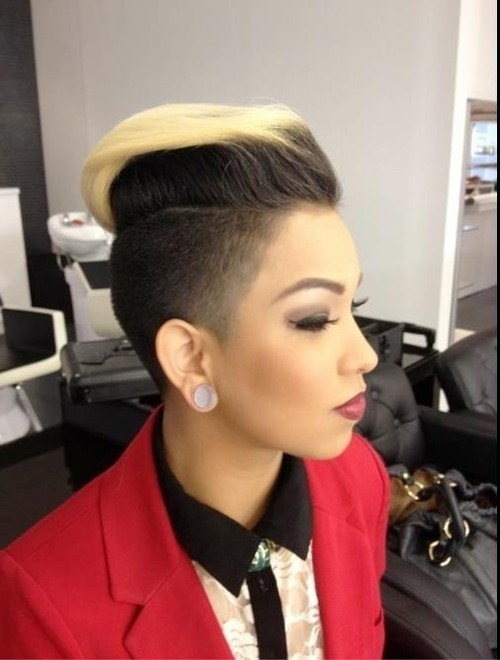 Captivating short Mohawk blonde haircut with highlights African American