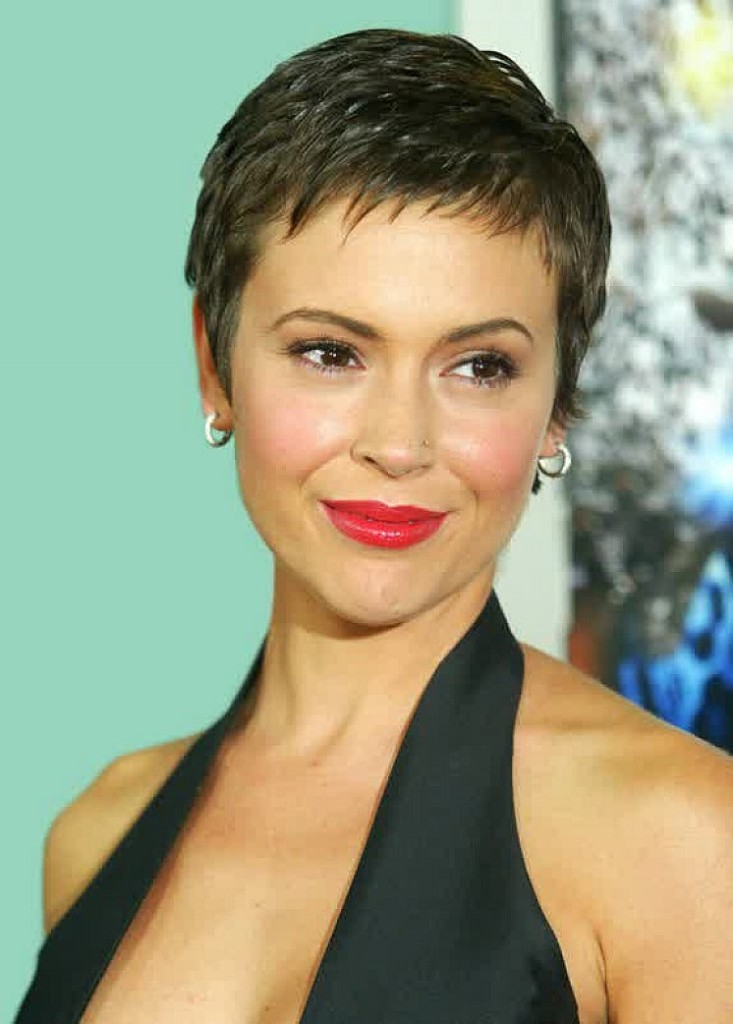 Captivating short fine haircut for parties African American