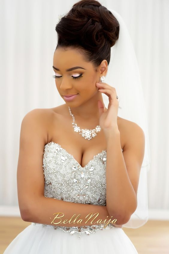 Exquisitely natural up do Loose wavy wedding black women