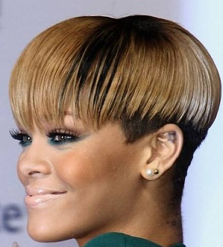 Short haircut for fat faces African American Ombre