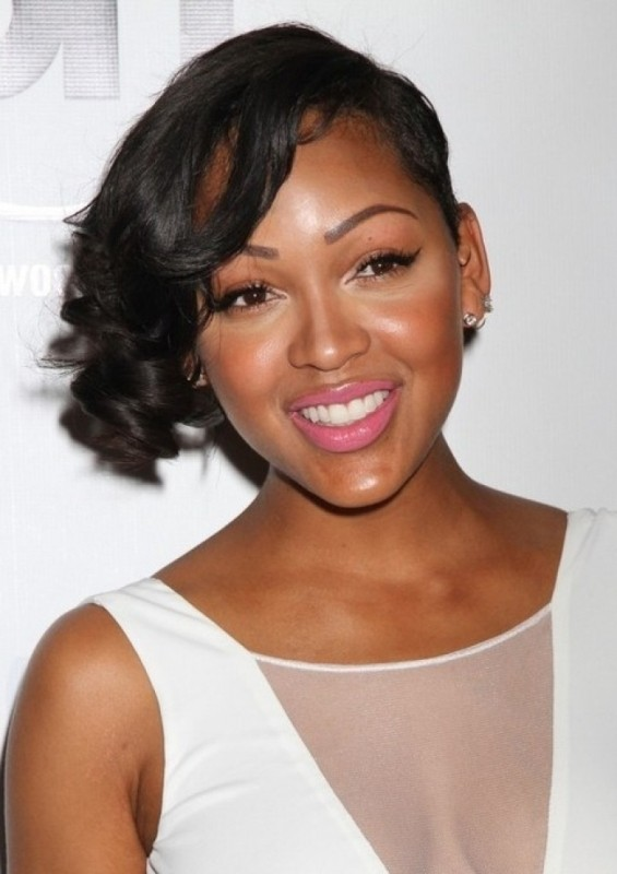 Assymetrical bob haircut for black women with round faces