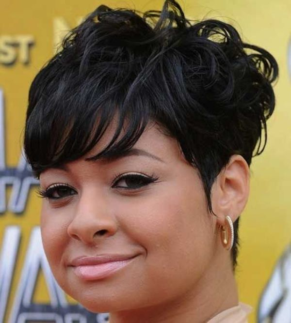 Short Pixie Haircut for Black Women With Round Faces
