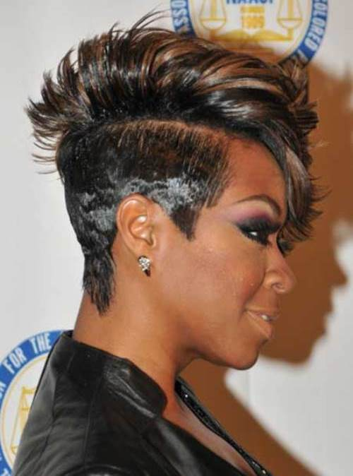 Mohawk-Short-Hairstyle-For-Black-Women-1