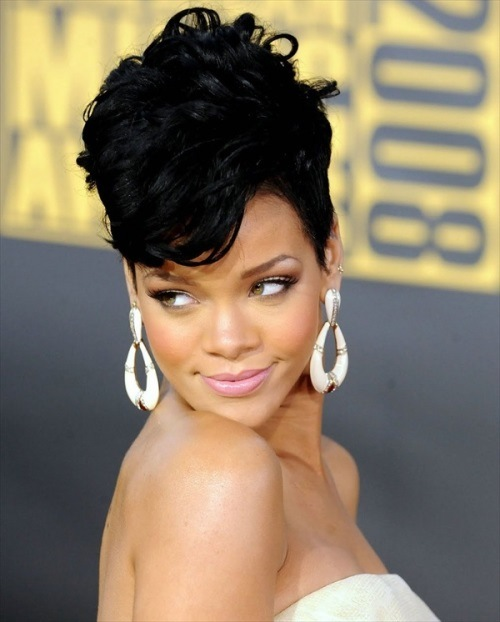 Mohawk-Short-Hairstyle-For-Black-Women