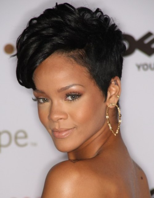 Short-Wavy-Hairstyles-For-Black-Women-2