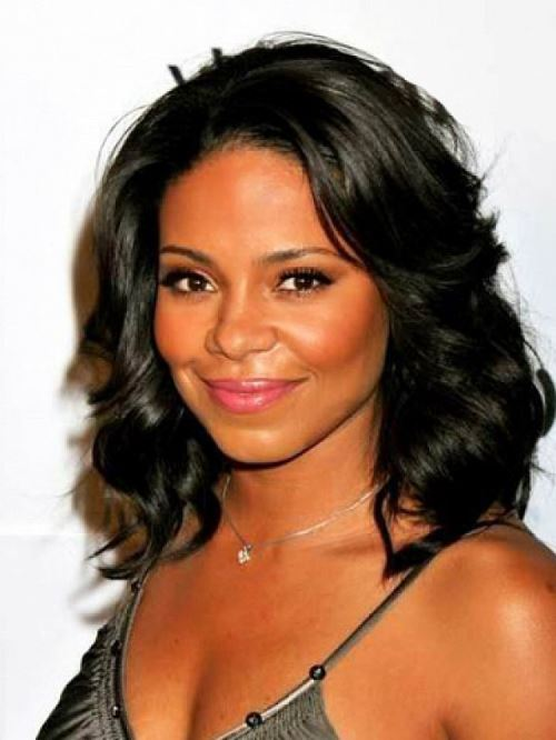 Short-Wavy-Hairstyles-For-Black-Women
