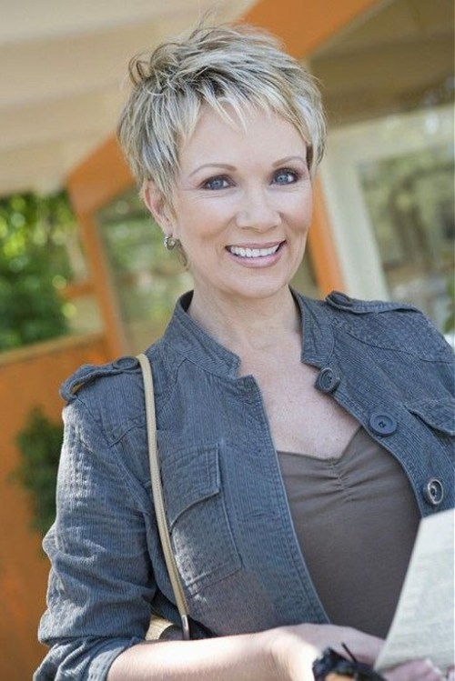 STRAIGHT SHORT HAIRCUTS FOR WOMEN OVER 50